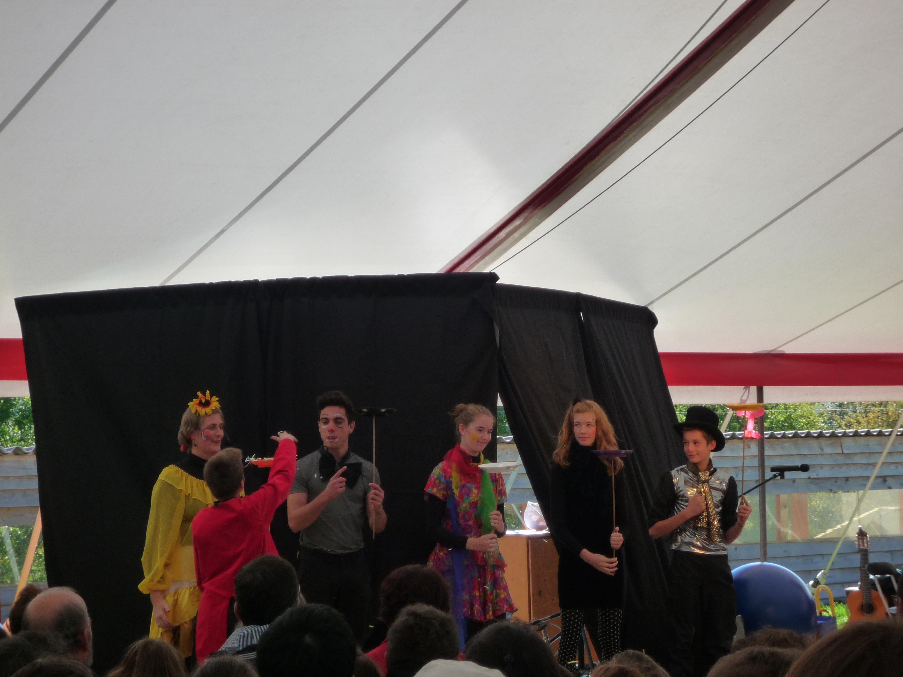 clowns et acrobates